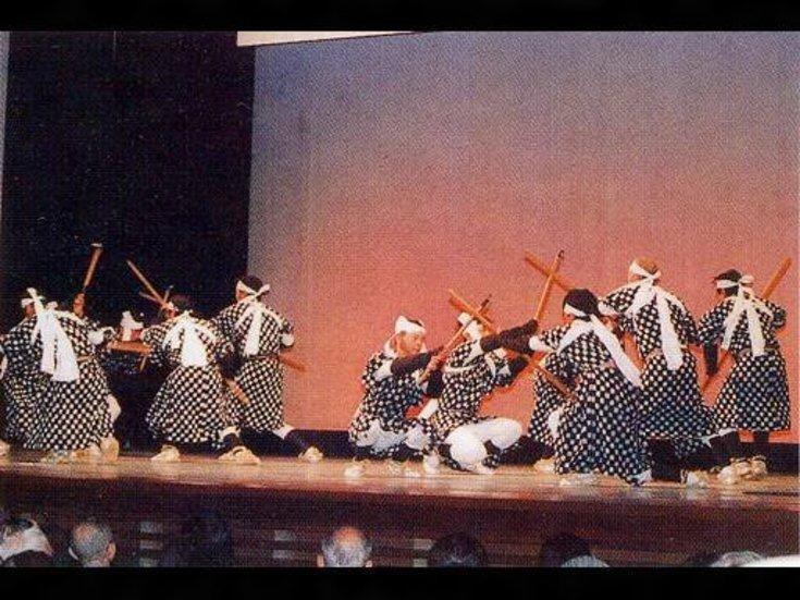 玉利の鎌手踊り