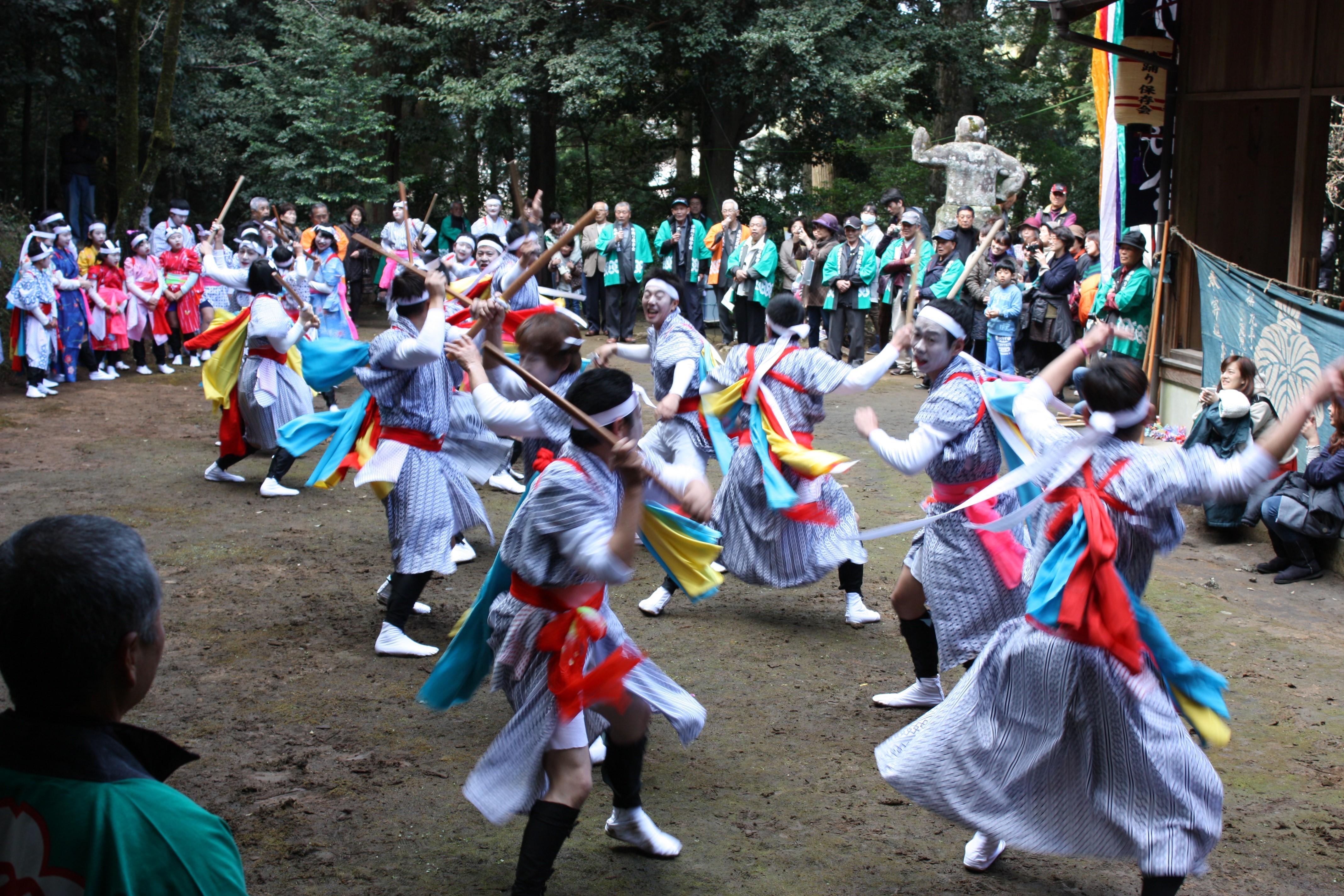 「本城花尾神社の春祭り」が県無形文化財に指定!